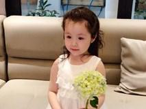 Chỉ cùng mẹ cắm hoa mà Cadie Mộc Trà cũng có một bộ ảnh điệu đà thế này!