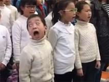 Cậu bé 'diễn sâu', đặt trọn tâm trí vào bài hát khiến MXH cười ngả nghiêng