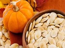 Những lý do để bạn nên ăn hạt bí đỏ ngày Tết