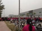 Hà Nội: Công nhân xếp hàng dài chờ rút tiền từ cây ATM mới dám về quê ăn Tết-14