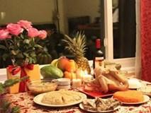 Chuyên gia phong thủy gợi ý lễ vật cúng giao thừa trong nhà và ngoài trời