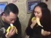Đừng dại dột thi ăn chuối cùng phụ nữ
