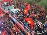 Tự sự ngày trở về của các cầu thủ U23 Việt Nam: Chỉ mong chiếc xe buýt đi mãi như thế!