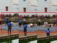 Clip: Cô gái trẻ quật ngã nam đô vật trên sới vật hội làng Bắc Ninh trong tiếng hò reo của nhiều người