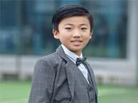 Tự học ở nhà, bé 10 tuổi gây kinh ngạc khi thành thạo 3 thứ tiếng, viết sách tiếng Anh