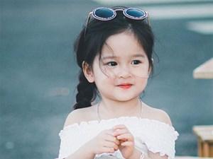 """Vừa ngoan lại dễ thương, bé gái Đắk Nông """"nổi như cồn"""" giúp mẹ thu nhập 30 triệu/ tháng"""