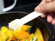 """Chuyên gia vạch mặt """"thủ phạm"""" gây nhiều bệnh tật trong bữa ăn của người Việt"""