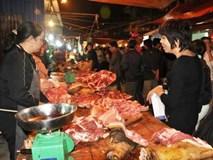 Chợ Viềng - Nam Định: Mua thịt bò ngày xuân để cả năm suôn sẻ, may mắn