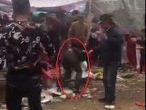 Nam thanh niên bị nhóm người cầm hung khí đánh gục trước cửa chùa ở Hà Nội