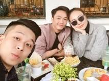 """Sau khi về ra mắt gia đình Đàm Thu Trang, Cường Đôla và bạn gái """"tình bể bình"""" thế này"""