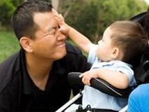 Đừng đánh đòn hay quát mắng khi trẻ đánh người thân, hãy hành xử thông minh thế này!
