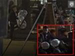 Ngồi uống trà đá ở Thái Hà, hai thanh niên bị thang vận rơi trúng-7
