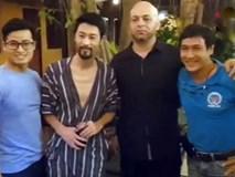 Johnny Trí Nguyễn tiếp Flores tại võ đường Liên Phong