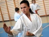 Vợ xinh của Lewandowski là cao thủ karate, có đai đen