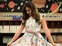 Cô giáo gây sốt khi mặc chiếc váy được học sinh 'vẽ bậy'