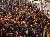 Cả nghìn người tràn xuống đường dự lễ cầu an chùa Phúc Khánh