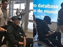 Neymar ngồi xe lăn, có nguy cơ vắng mặt ở World Cup 2018
