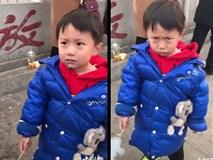 Clip: Khi cậu bé đáng yêu thảo ăn nhưng lại bị 'chơi khăm' ngay trước mắt
