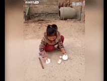 Cô bé làm ảo thuật khiến người xem không chớp mắt