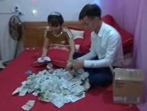 Chú rể Yên Bái dở mếu với 1,4 kg tiền lẻ quà cưới của bạn thân