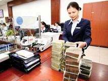 Các ngân hàng thu về bao nhiêu tiền từ phí dịch vụ năm qua?