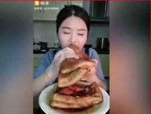 Lạnh người xem thiếu nữ ăn thịt mỡ