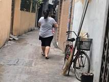 """Câu chuyện đằng sau bóng lưng một """"mẹ xề"""" bế con khiến nghìn chị em Việt đồng cảm"""
