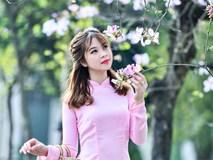 Nữ sinh 9X bên sắc tím hoa ban giữa lòng Thủ đô