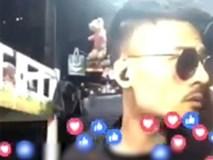 Đang livestream, Hoa Vinh bị mẹ vào