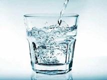 Uống nước tưởng dễ nhưng hóa ra từ trước tới nay chúng ta đều làm sai