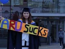 Có bằng hạng ưu nhưng thất nghiệp, nữ sinh kiện trường Đại học 'đòi' 1,9 tỷ đồng