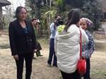 Bị lừa bán sang Trung Quốc, 2 nữ sinh báo tin cho cô giáo qua facebook-2