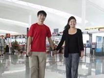 Đoạn phim sáng tạo của cặp đôi nhí nhảnh cùng nhau đi du lịch 12 nước
