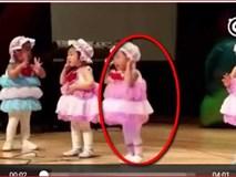 Bé gái khóc nức nở nhưng không quên múa trọn bài khiến khán giả thích thú