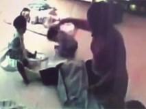Bé gái 8 tháng tuổi bị bảo mẫu đánh liên tiếp vào đầu, đập cả người xuống sàn nhà