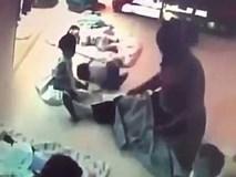 Đứa trẻ 8 tháng tuổi kêu khóc không ngừng liền bị y tá liên tục đánh đập, cơ thể xuất hiện nhiều vết bầm tím