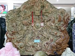 Bức tranh ngọc tạc 9 con rồng lớn nhất châu Á trả 10 tỷ chưa bán