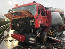 Luật Giao thông đường bộ cho phép xe cứu hỏa được đi ngược chiều khi làm nhiệm vụ