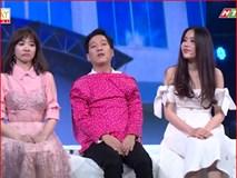 Video: Trường Giang chủ động thân mật, nắm tay Nam Em trên truyền hình nằm ngoài kịch bản