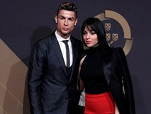 Ronaldo bất ngờ dò hỏi cuộc sống ở Trung Quốc