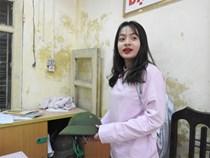 Vụ vữa trần rơi, HS bị cấp cứu: Đội mũ cối trong lớp phòng bất trắc