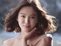 Sốt xình xịch clip Song Hye Kyo khoe thần thái thể hiện đẳng cấp ngọc nữ
