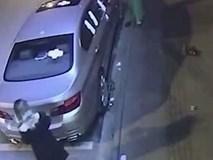 Dán băng vệ sinh lên xe BMW - phương pháp trả thù ... ít mệt của 2 cô gái trẻ