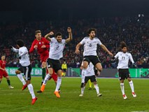 Ronaldo lập cú đúp phút bù giờ, Bồ Đào Nha ngược dòng hạ Ai Cập