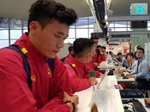Bùi Tiến Dũng đã có mặt, tuyển Việt Nam lên đường sang Jordan