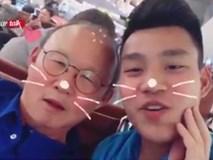 Văn Thanh 'gà bài' để thầy Park Hang-seo nói mình đẹp trai
