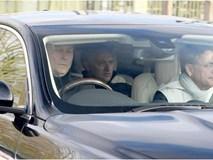 HLV Mourinho họp khẩn với toàn bộ cầu thủ Man Utd, muốn dẹp yên khủng hoảng