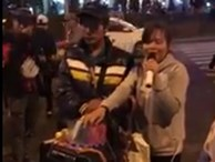 Video: Cô gái hát rong sở hữu giọng ca khiến ai nghe cũng 'nổi da gà'