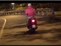 Video: Ninja Lead nghiêng mình ôm cua như tay đua thứ thiệt trên đường phố Sài Gòn