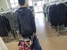 Con trai chê bạn mặc đồ giá rẻ, bà mẹ gây bão mạng khi quyết định dạy con 1 bài học đắt giá